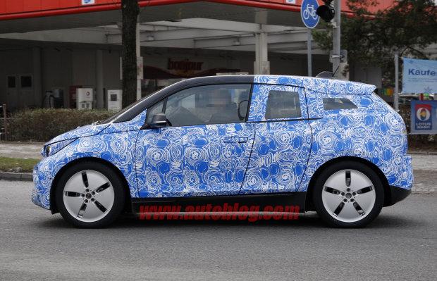 2013 BMW i3 REx Side view