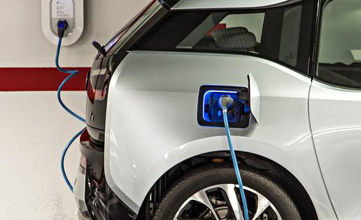 2014 bmw i3 plugged in